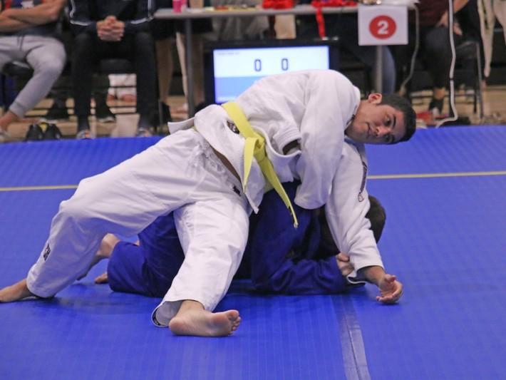 Newaza during a judo tournament